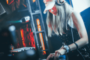 lista: xx artistförmedlingar som levererar dj's till företagsfesten