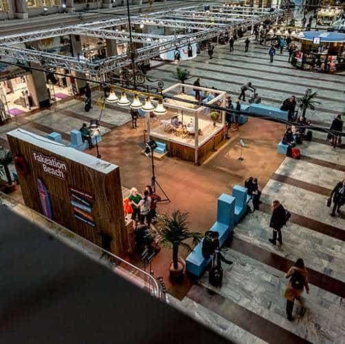 tui kampanj på stockholm central som nådde cirka 3 % av jordens befolkning!
