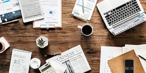 På bilden: Ett stökigt skrivbord som beskriver kreativitet