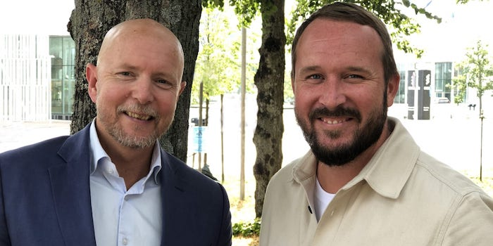 På bilden: Nicklas Svensson och Mattias Büman rekryteras av Easyfairs
