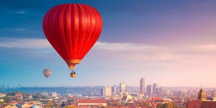hot air balloons flying over vilnius Fem härliga destinationer för konferensresan utomlands